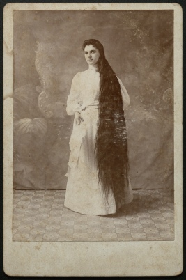 A photograph of Emma Barker, the daughter of Elizabeth Baldwin Barker and niece of George Baldwin. Source: Tyrell Historical Library, AC339-016-021-001.